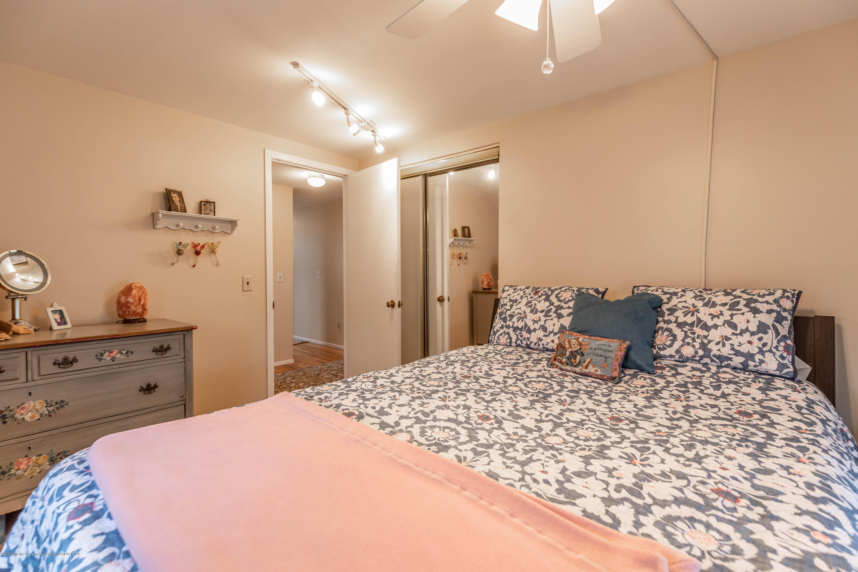 2101 Heights Ave - Bedroom 2 - 20