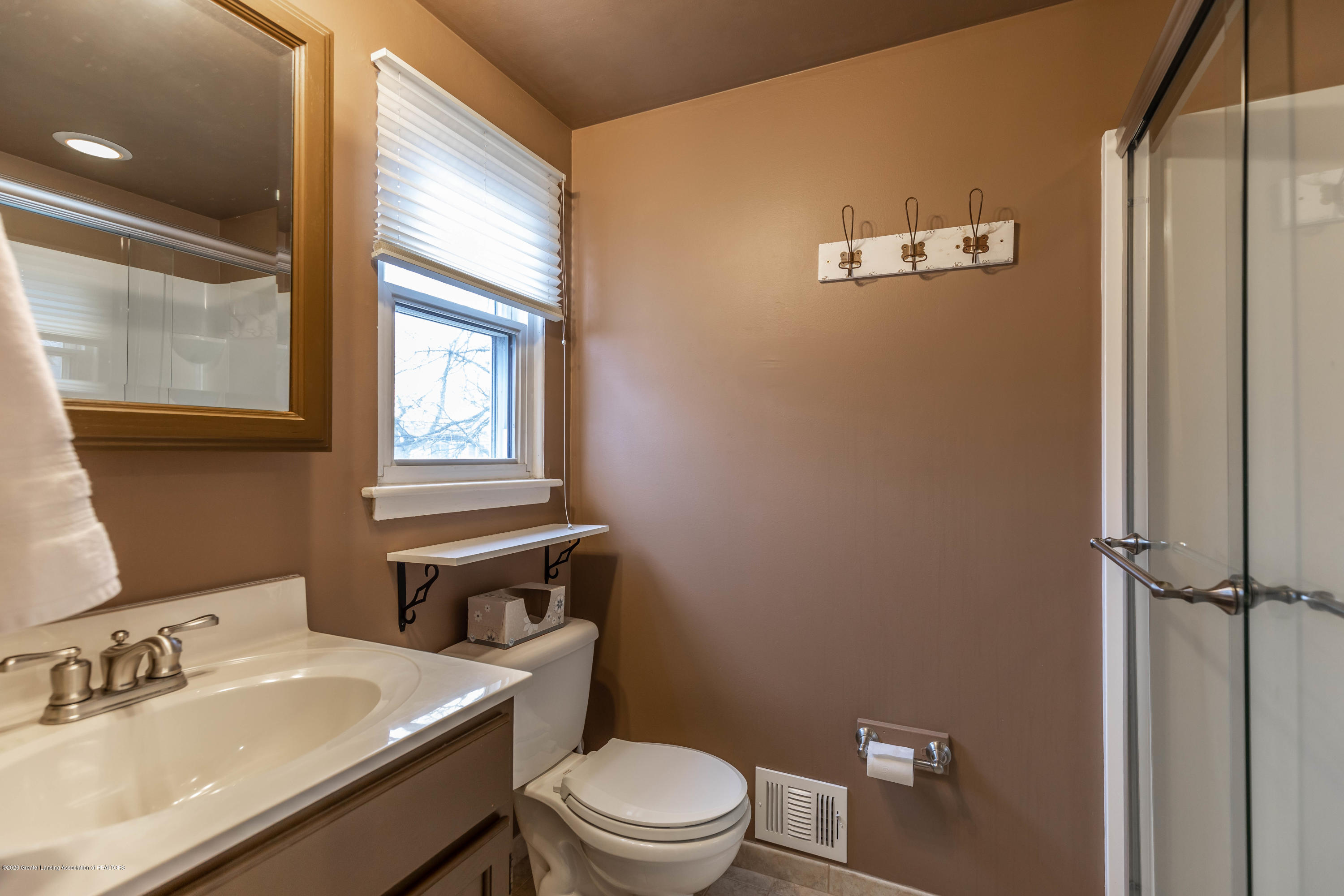 2101 Heights Ave - Master Bath - 18