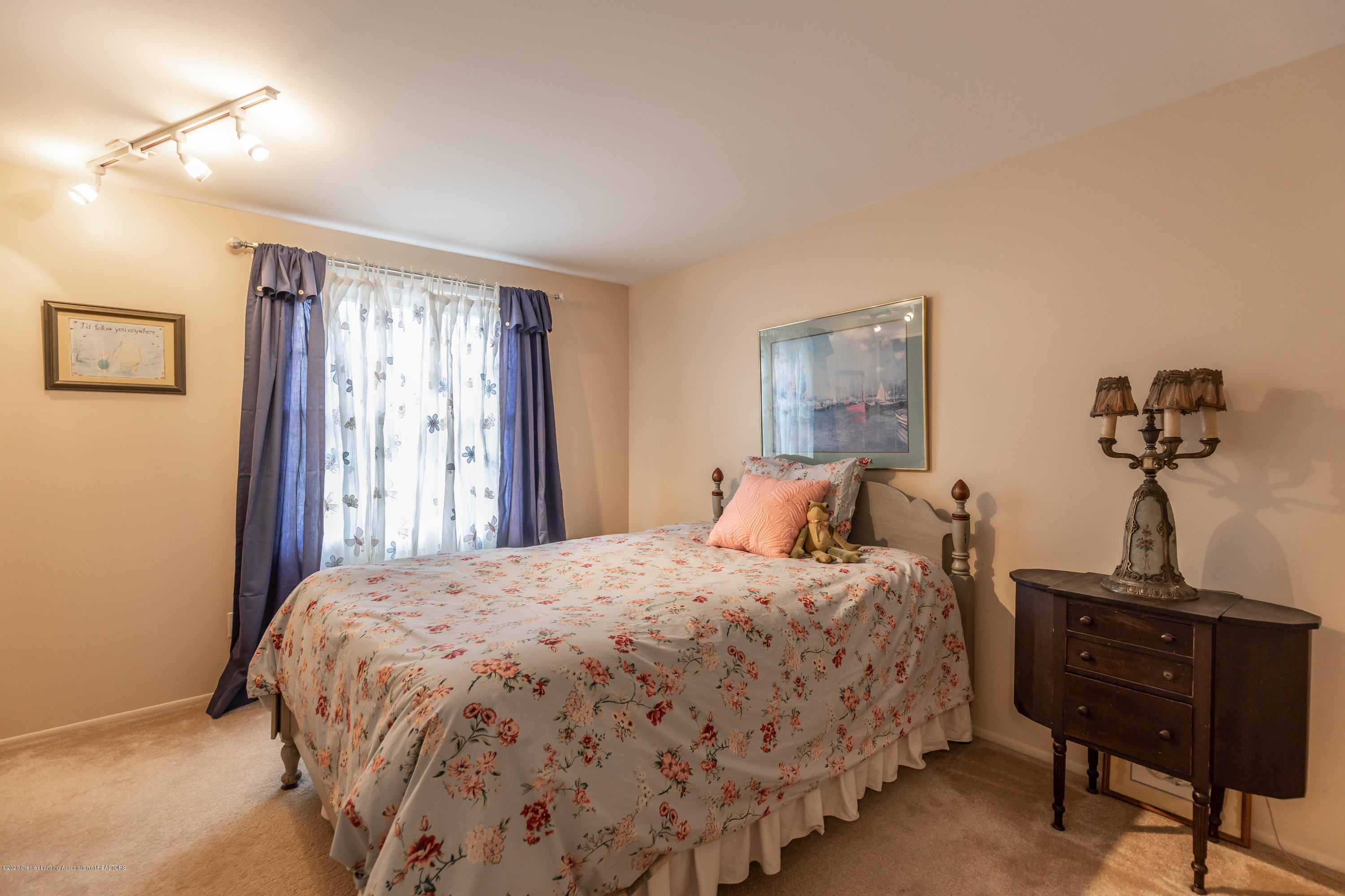 2101 Heights Ave - Bedroom 3 - 23