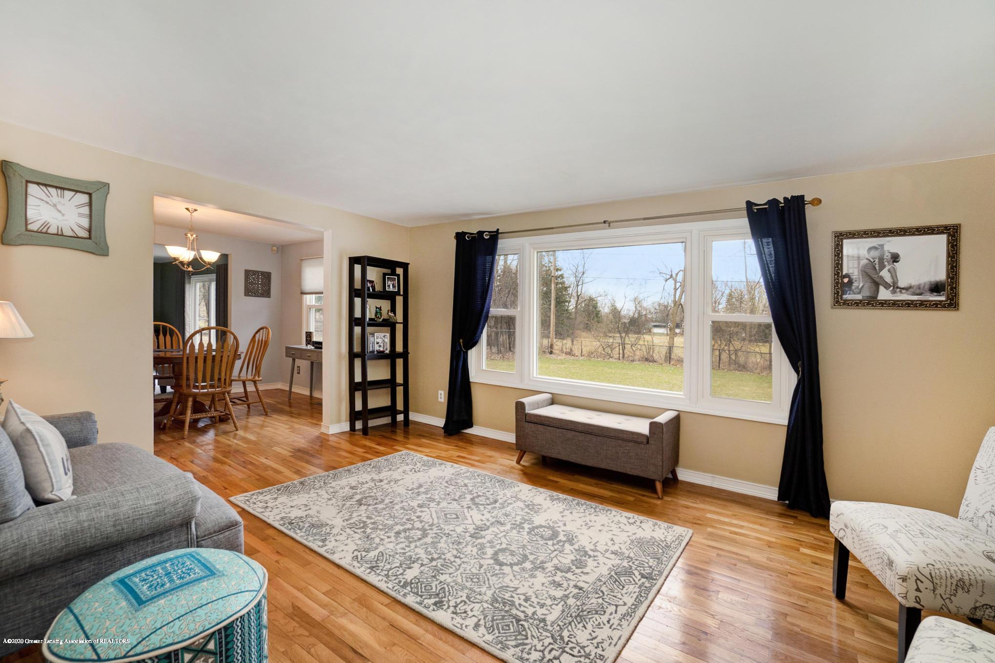 1051 Ramblewood Dr - Living Area - 8