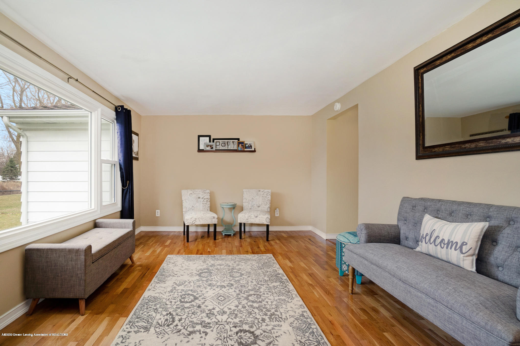 1051 Ramblewood Dr - Living Area - 10