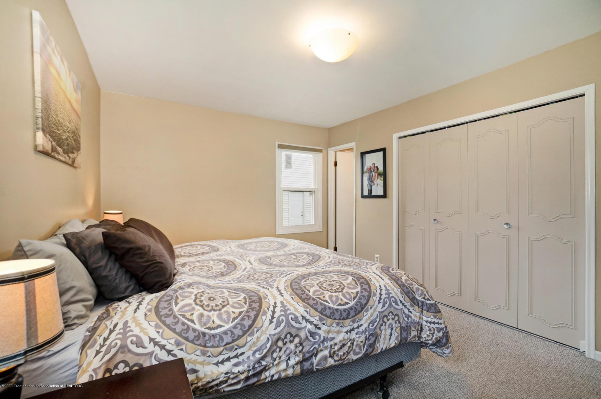 1051 Ramblewood Dr - Master Bedroom - 23