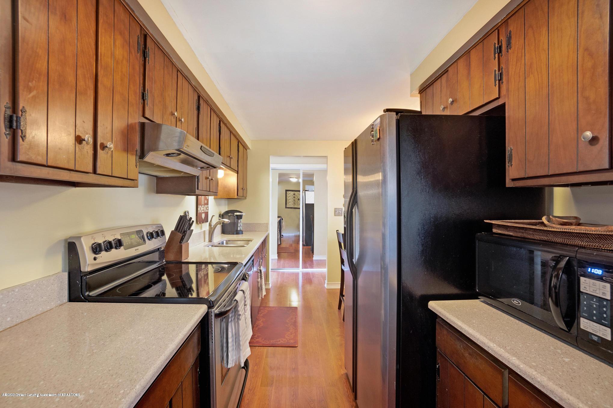1051 Ramblewood Dr - Kitchen - 17