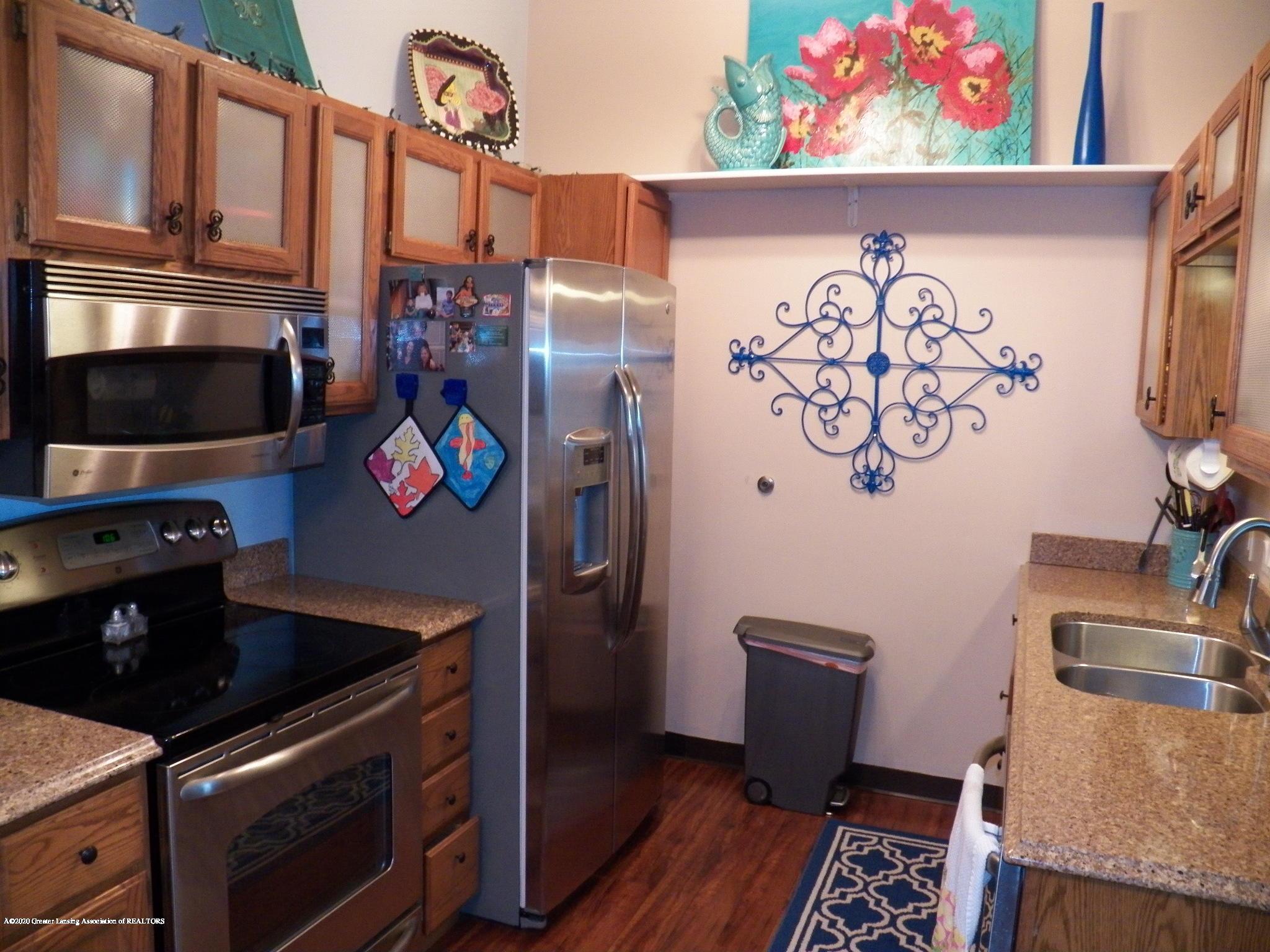 7427 Glen Terra Dr 25 - kitchen - 6