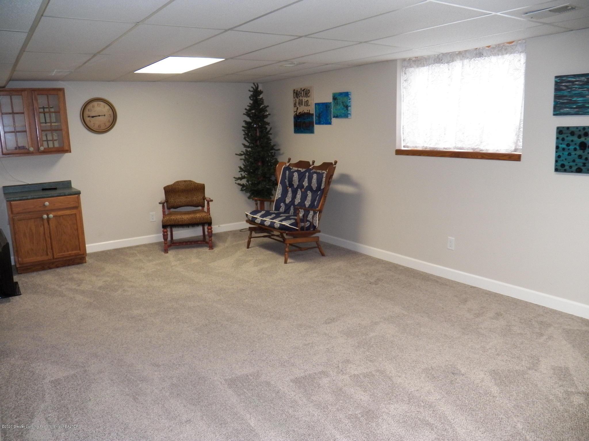 7427 Glen Terra Dr 25 - rec room - 12