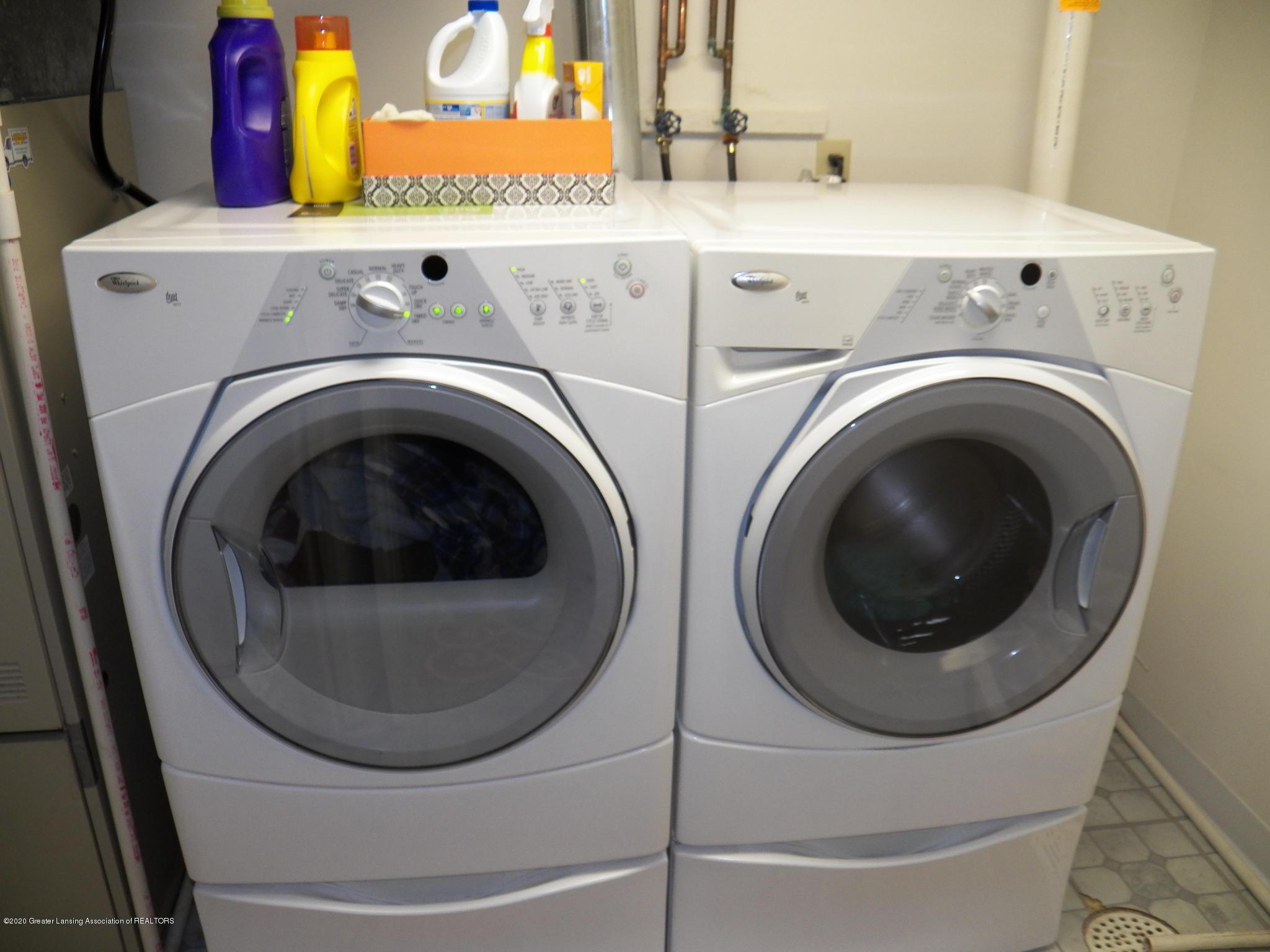 7427 Glen Terra Dr 25 - laundry room - 16