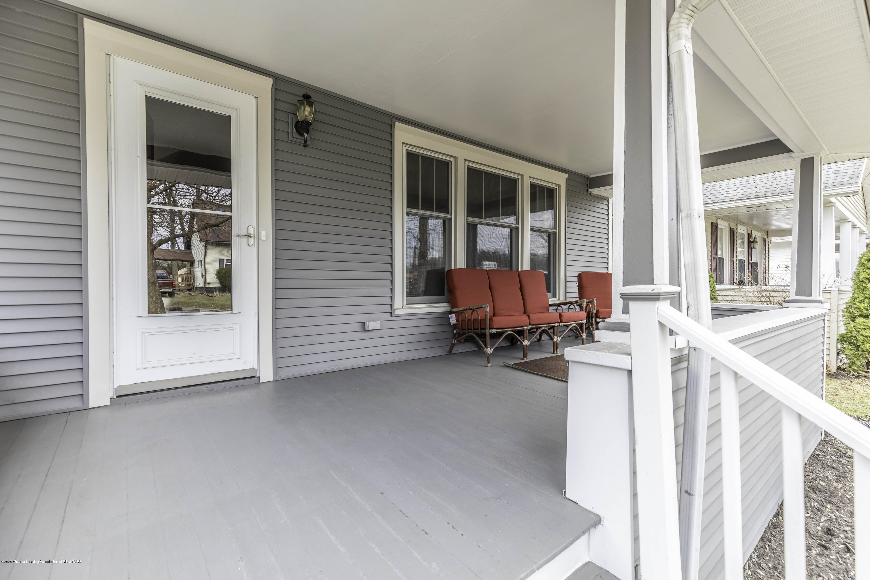 516 Pacific Ave - pacificporch2 - 4