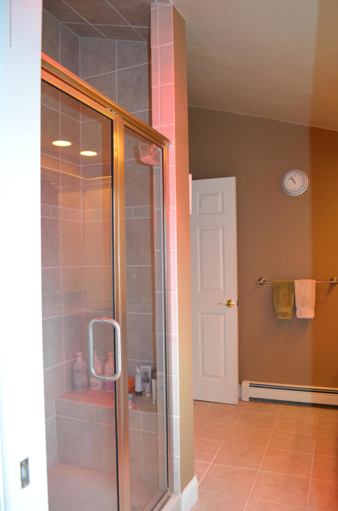 1165 Harper Rd - 2nd Floor Master Bath - 21