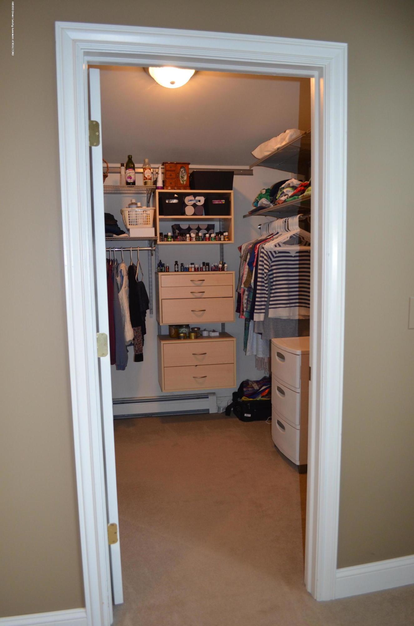 1165 Harper Rd - Master Walk In Closet - 18