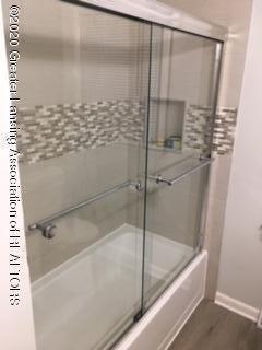 903 Tisdale Ave - tub-shower - 6
