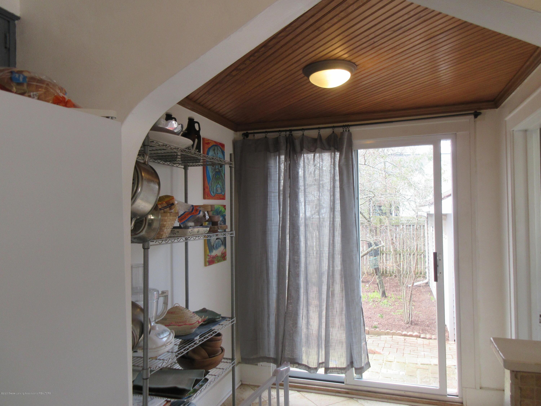 825 N Verlinden Ave - mud room - 11