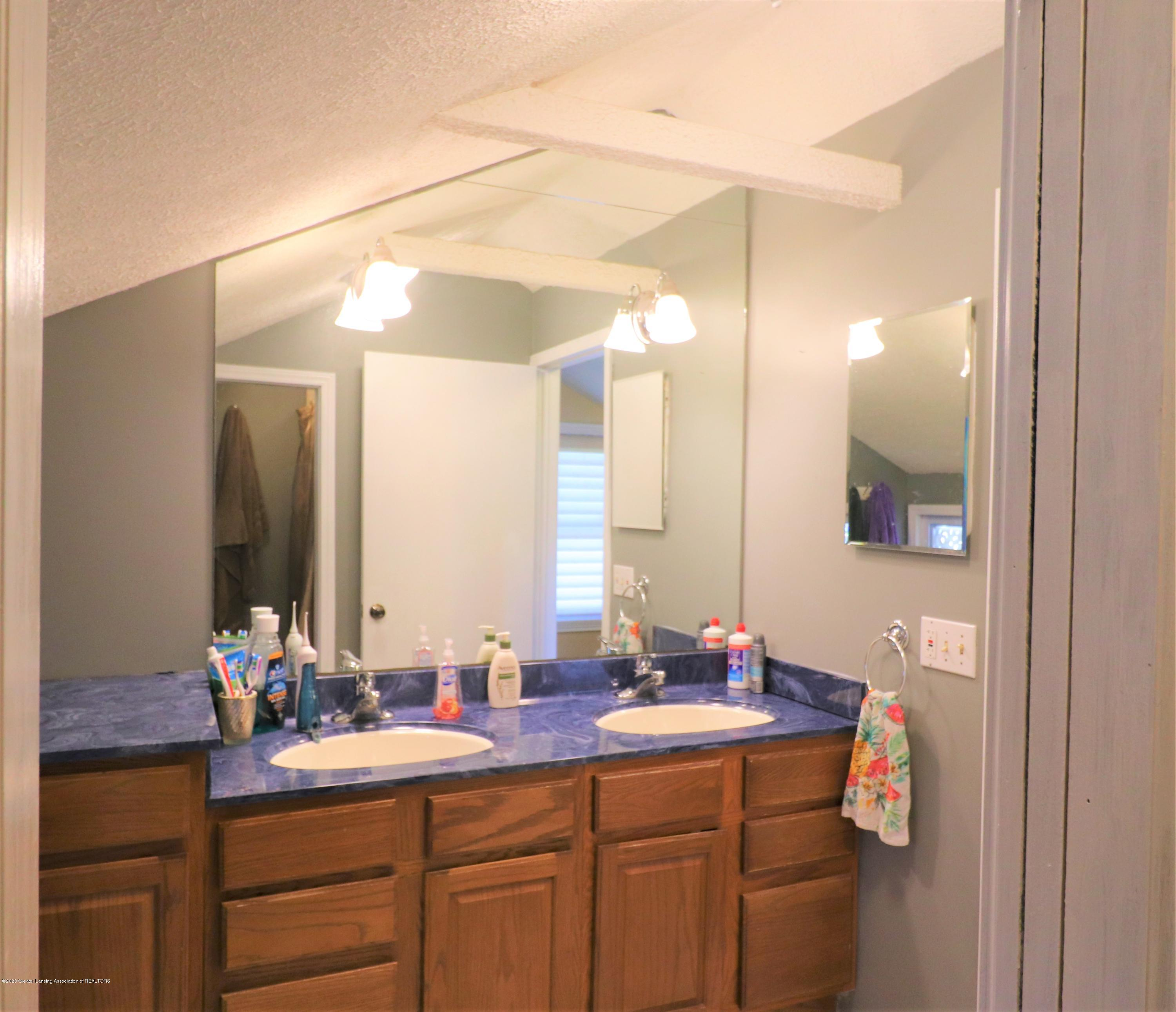 223 N Washington St - 30 Master Dual Vanity - 30