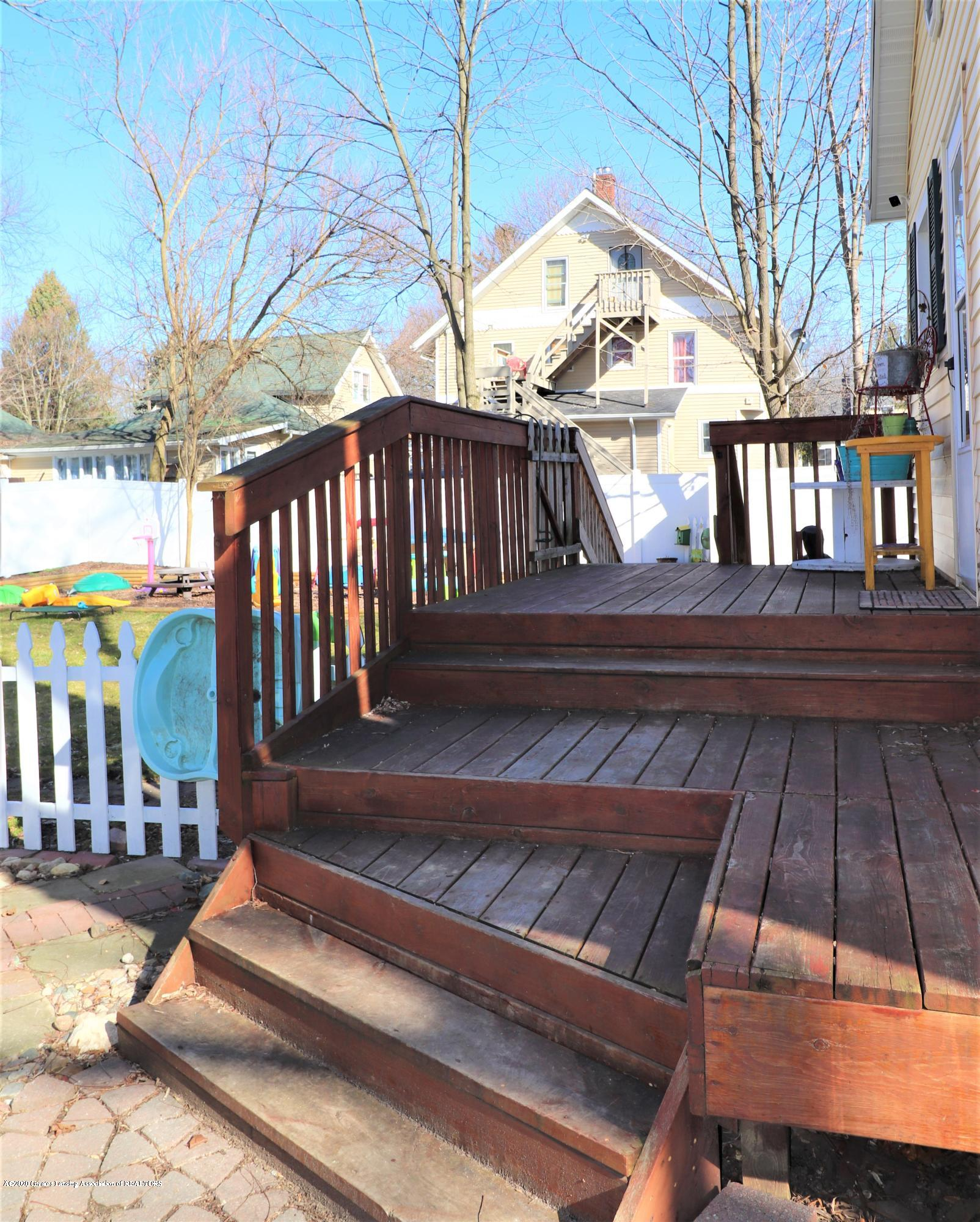 223 N Washington St - 36 REAR DECK - 36