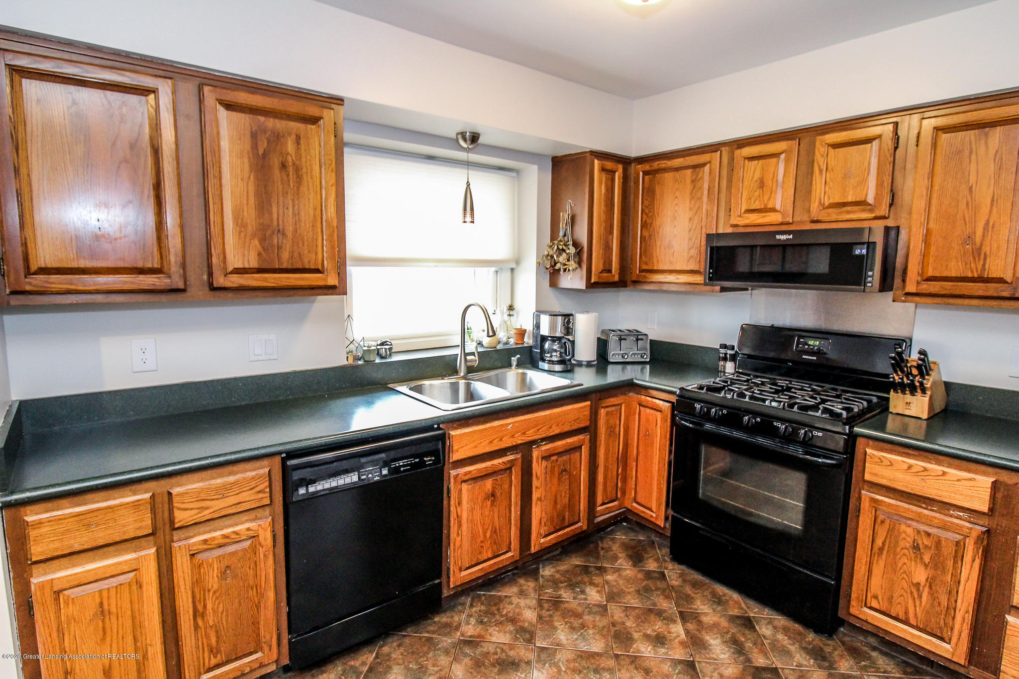 1423 Spearberry Ln - Kitchen - 19