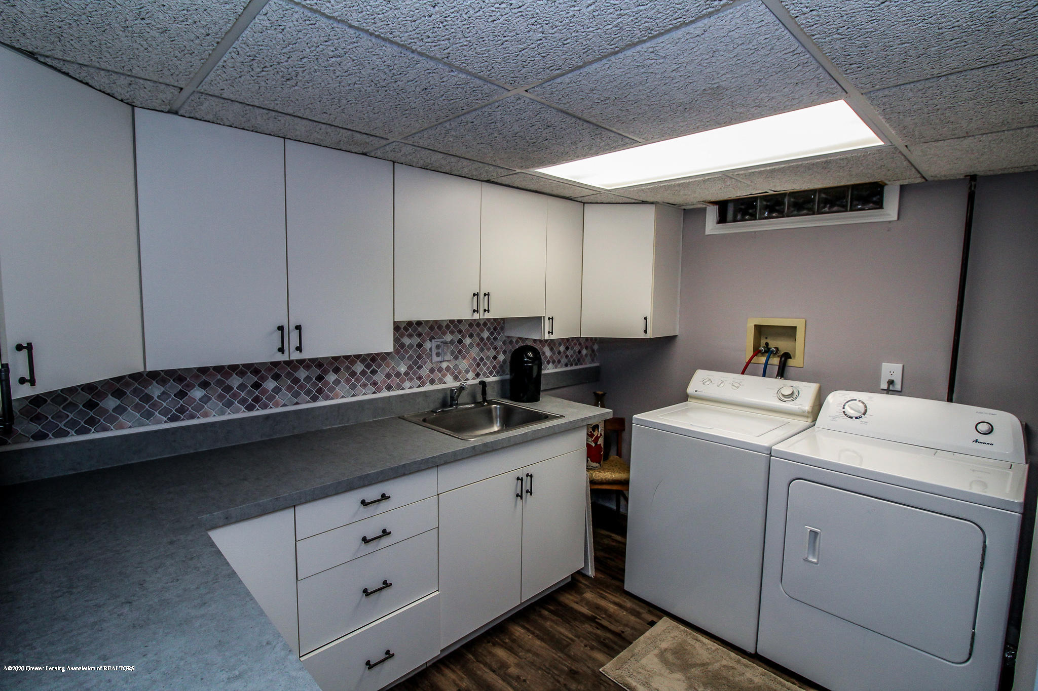 1423 Spearberry Ln - Laundry Area - 37