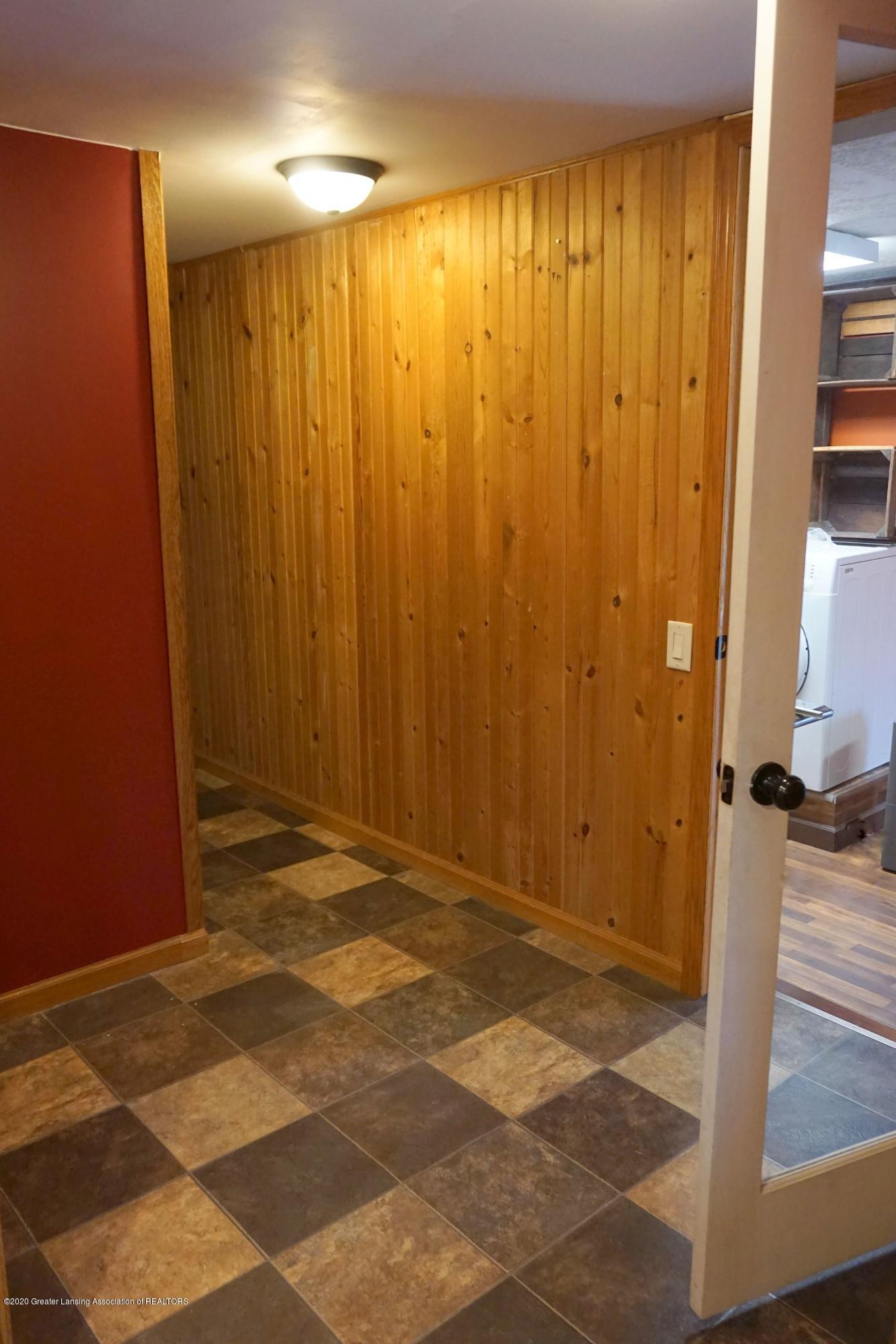 11950 Woodbury Rd - Back Entry Aera - 9