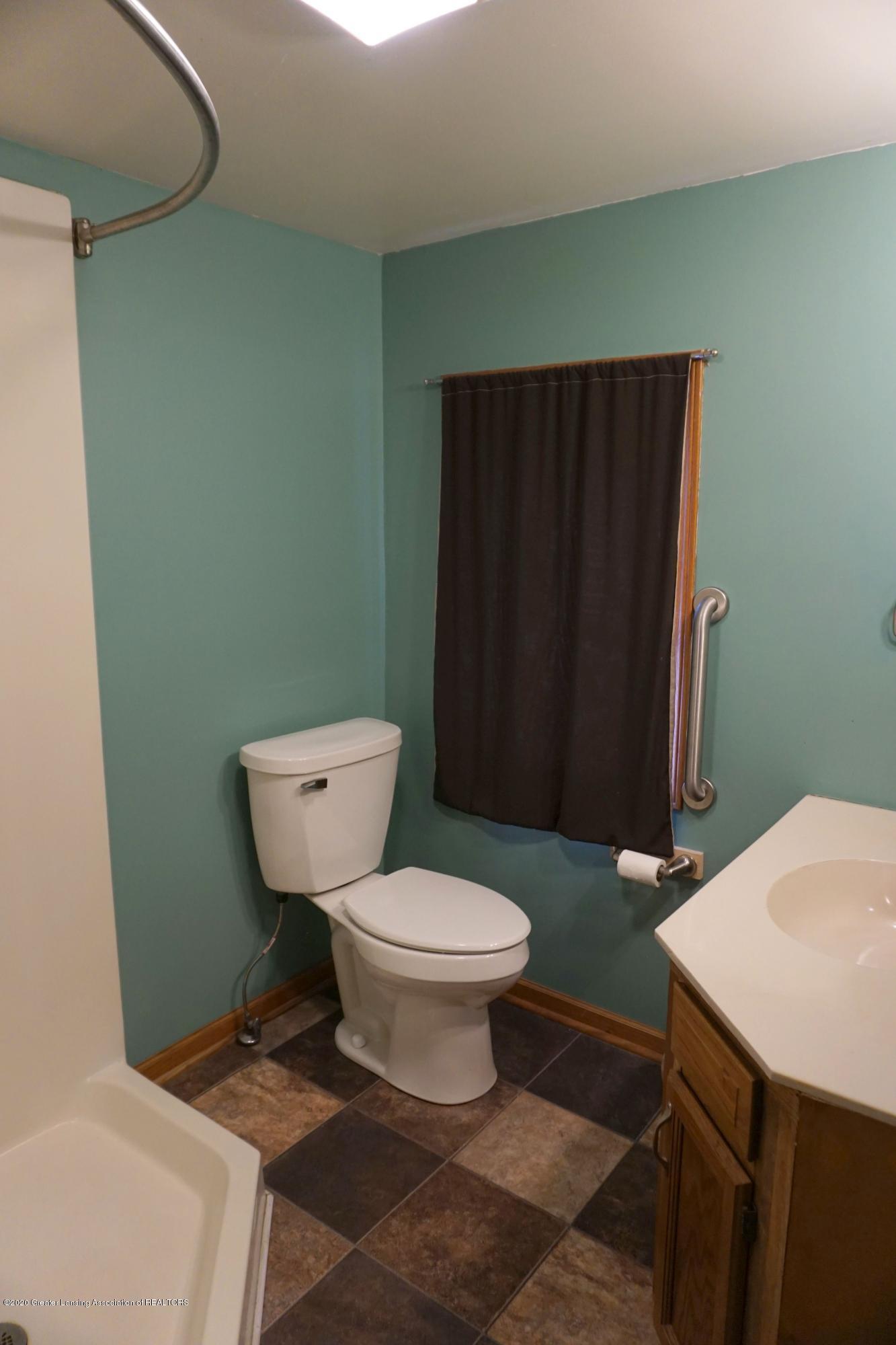 11950 Woodbury Rd - Full Bath #2 - 7