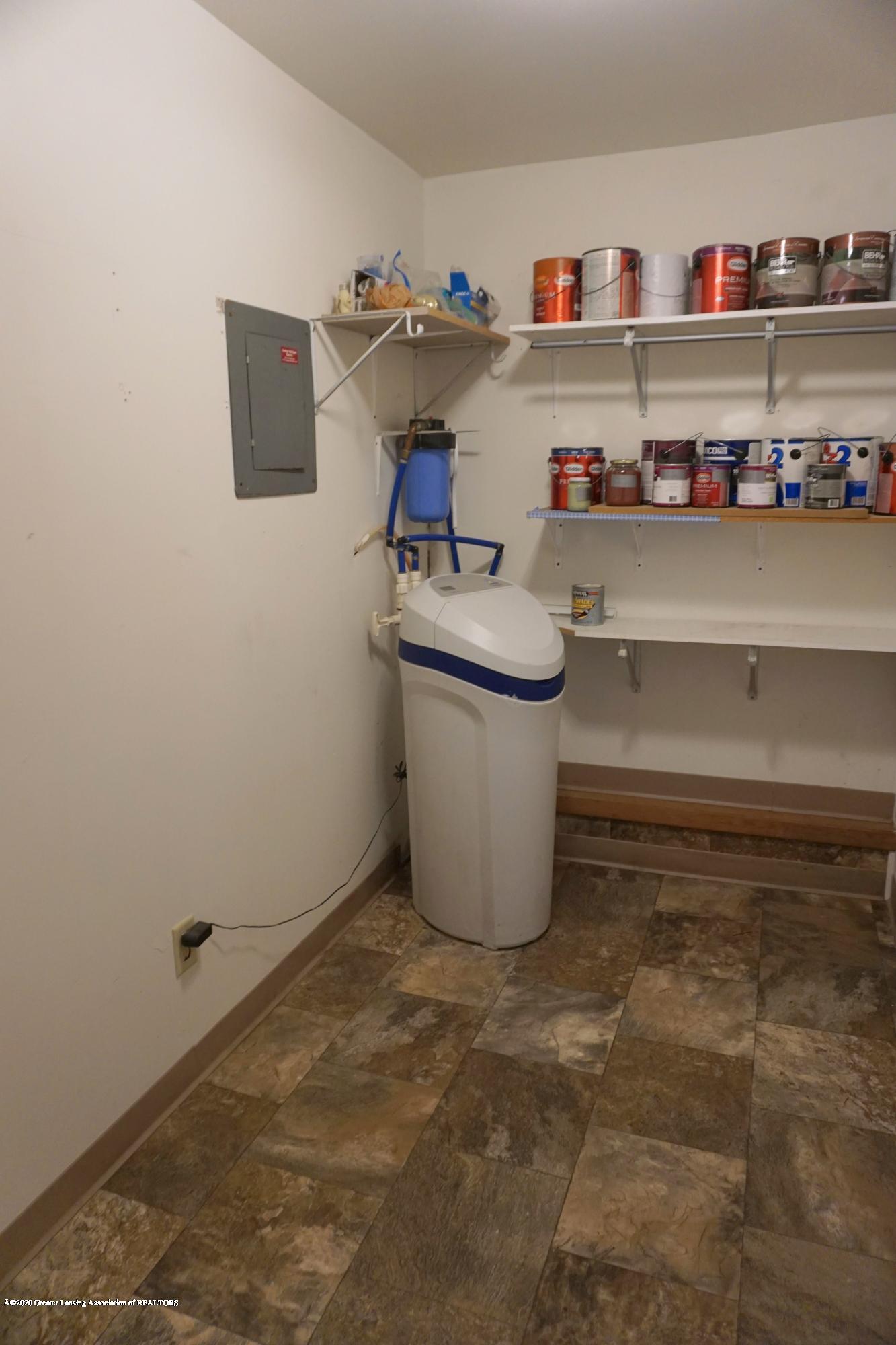11950 Woodbury Rd - Storage Room - 32