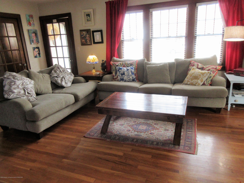 825 N Verlinden Ave - living room - 3