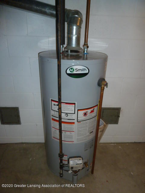 226 Kenberry Dr - Hot Water Heater - 36