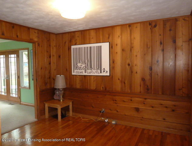 226 Kenberry Dr - Library View 2 - 18