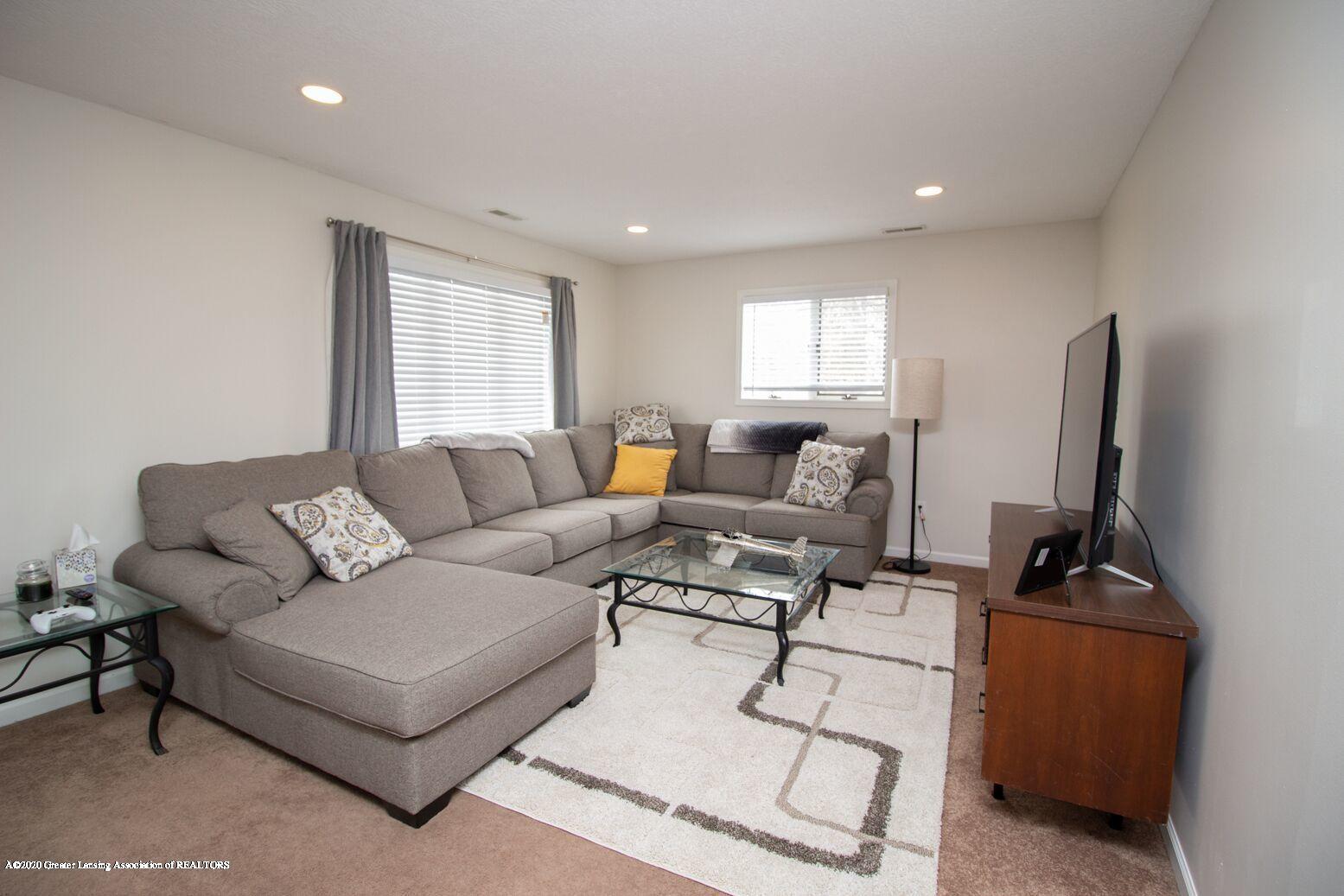 2231 Vandecarr Rd - livingroom1 - 3
