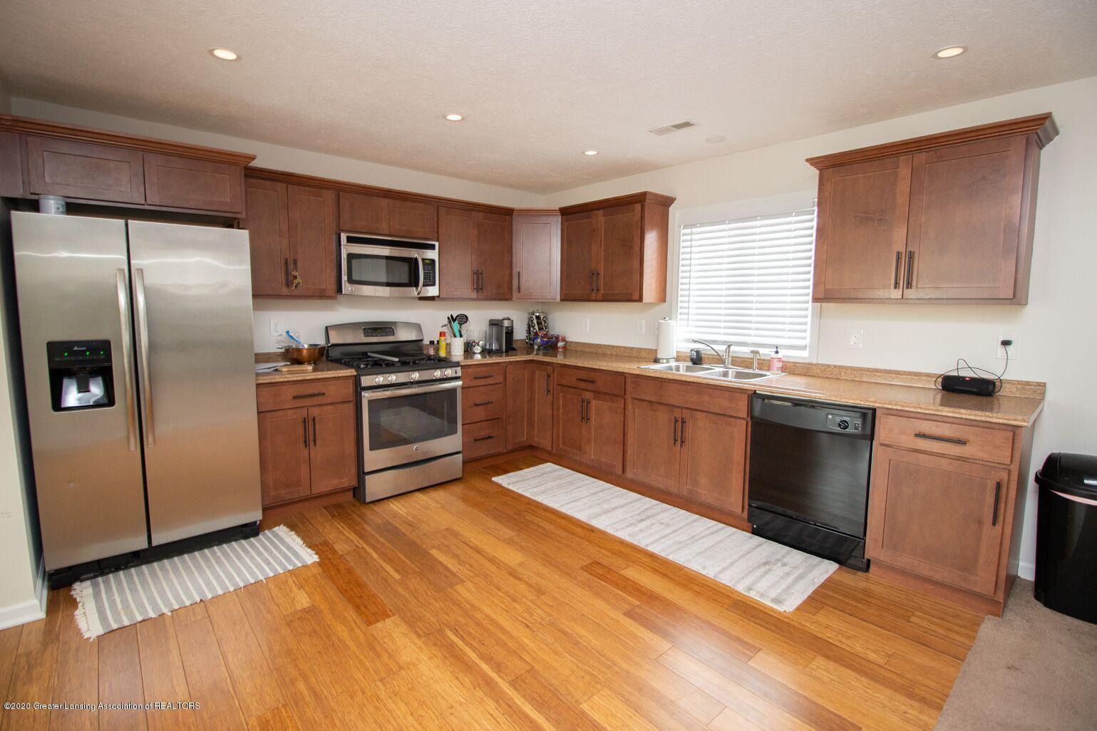 2231 Vandecarr Rd - kitchen - 7