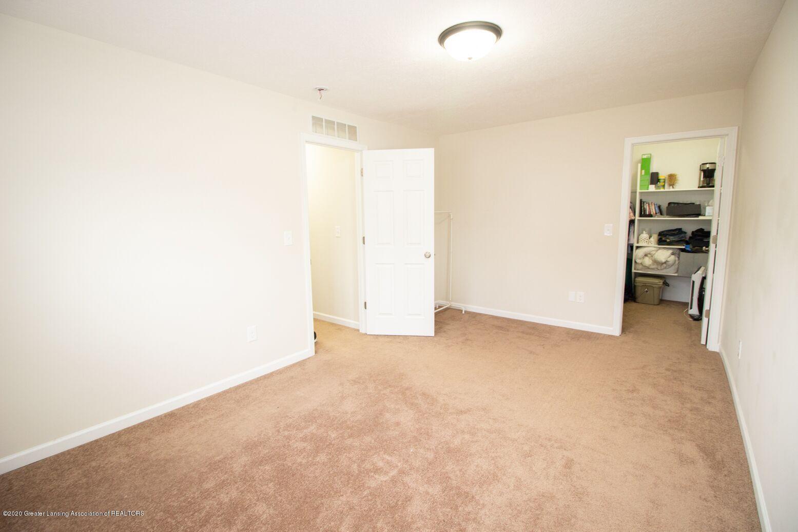 2231 Vandecarr Rd - Bedroom - 11