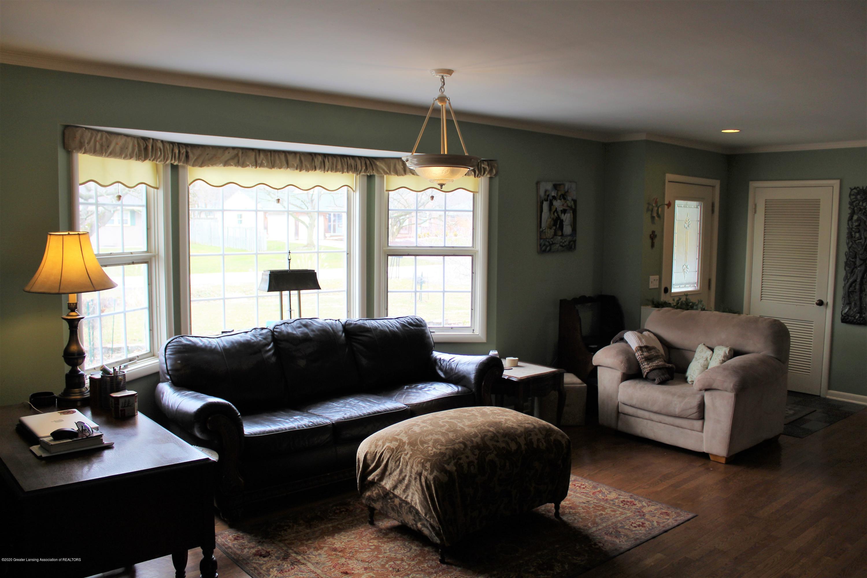 2019 Pawnee Trail - living room - 5