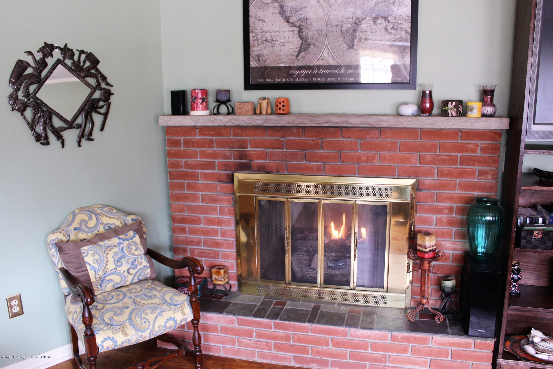 2019 Pawnee Trail - living room fireplace - 6