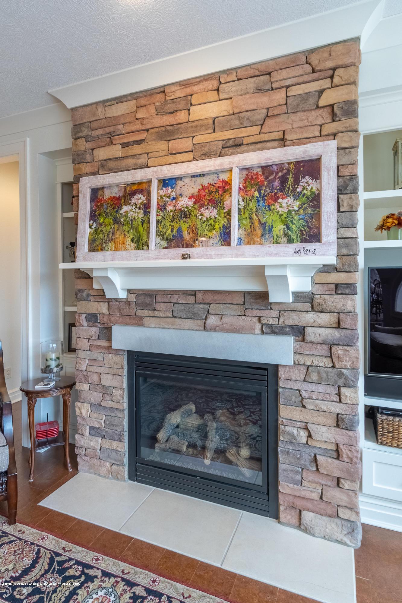 528 Aquila Dr - Stone Fireplace - 12