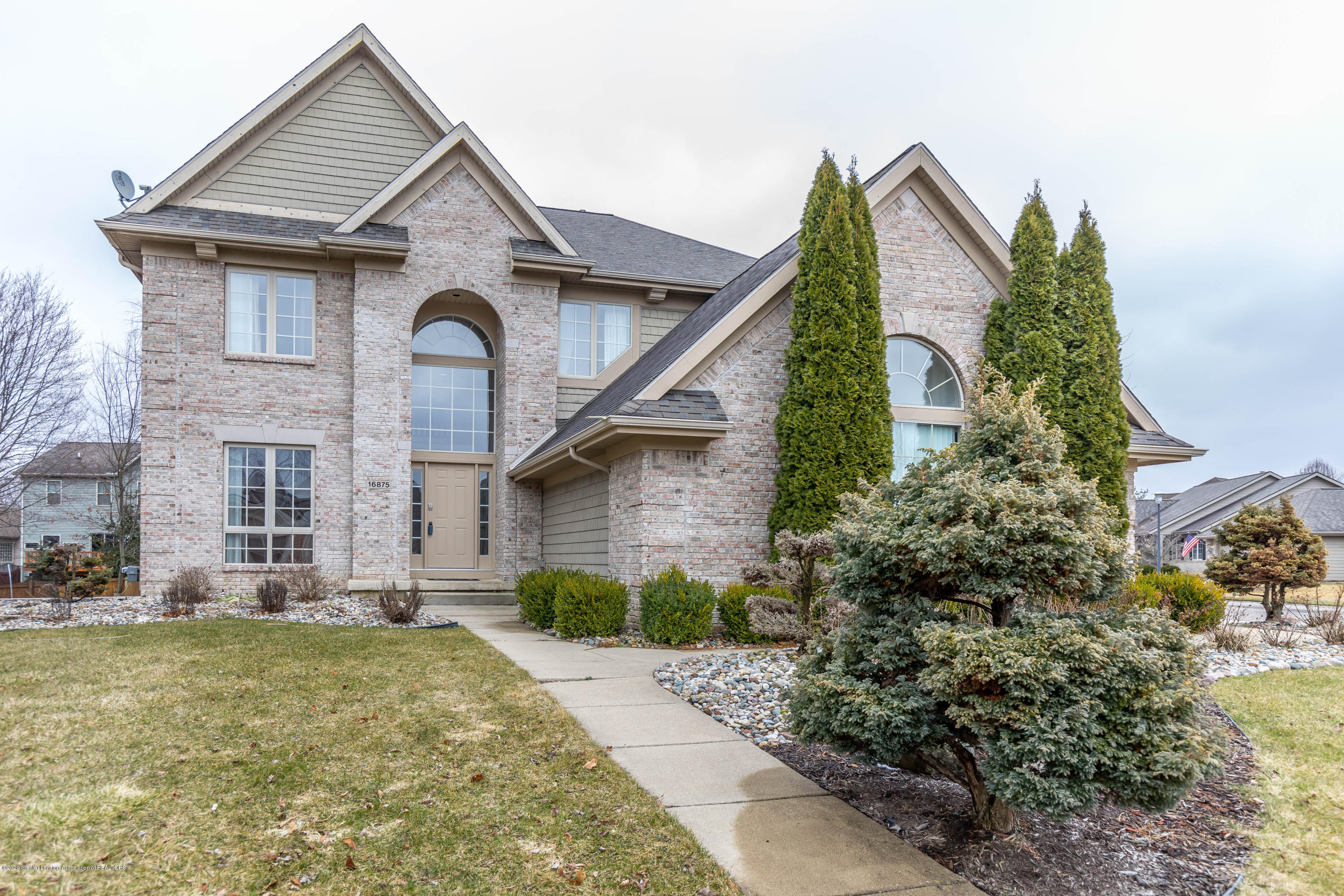 16875 Meadowbrook Dr - Front - 1