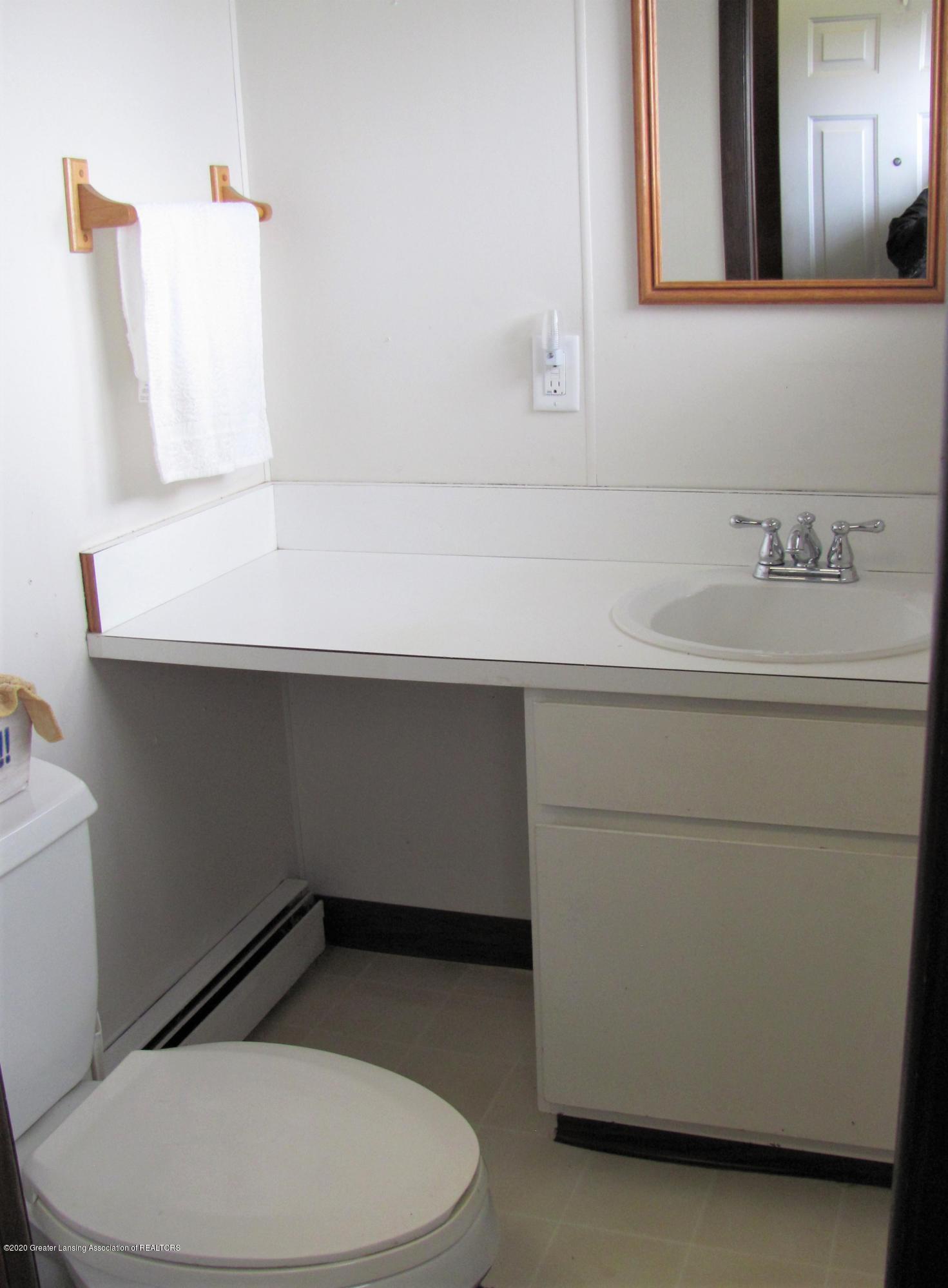 4383 Lansing Rd - 1/2 Bath - 10