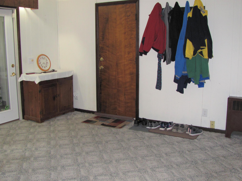 4383 Lansing Rd - Family Room - 12