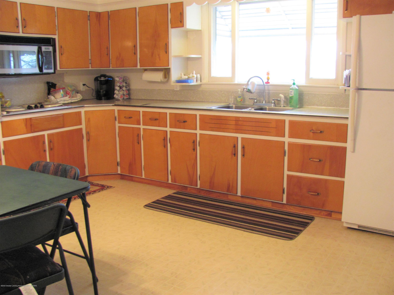 4383 Lansing Rd - Kitchen - 16