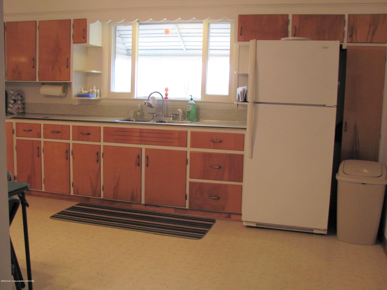 4383 Lansing Rd - Kitchen - 17