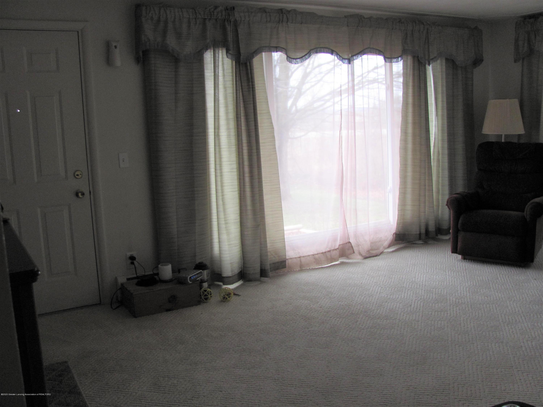4383 Lansing Rd - Living Room - 18