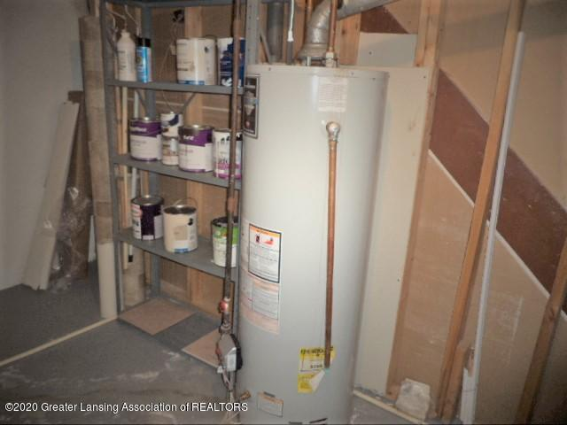 401 Meadowview Dr - Bradford White gas water heater - 44
