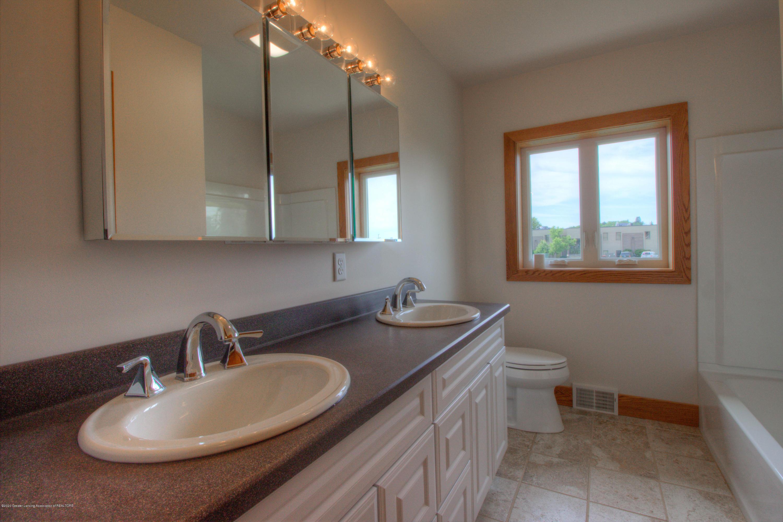 1301 E Miller Rd - Miller Bathroom Full - 8