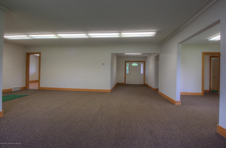 1301 E Miller Rd - Miller Foyer - 4