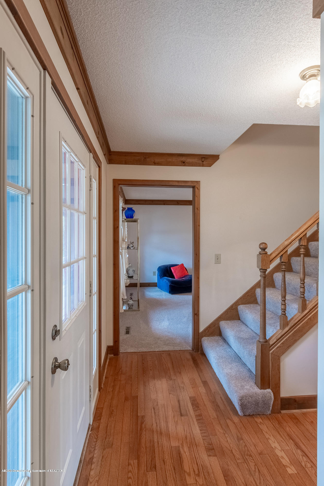 3945 Breckinridge Dr - Foyer - 7