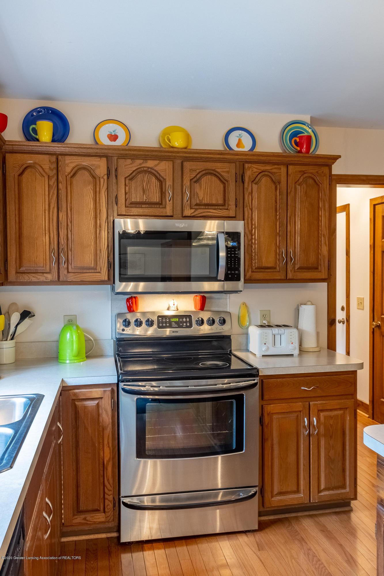 3945 Breckinridge Dr - Kitchen - 19