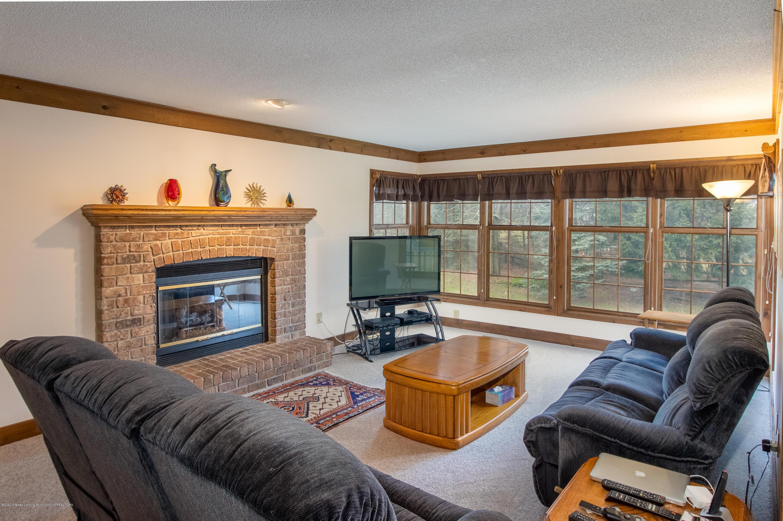 3945 Breckinridge Dr - Living Room - 22