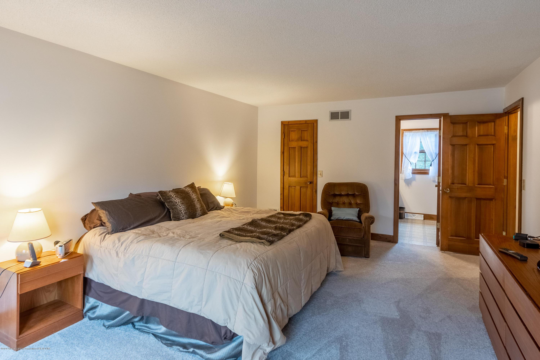 3945 Breckinridge Dr - Master Bedroom - 31