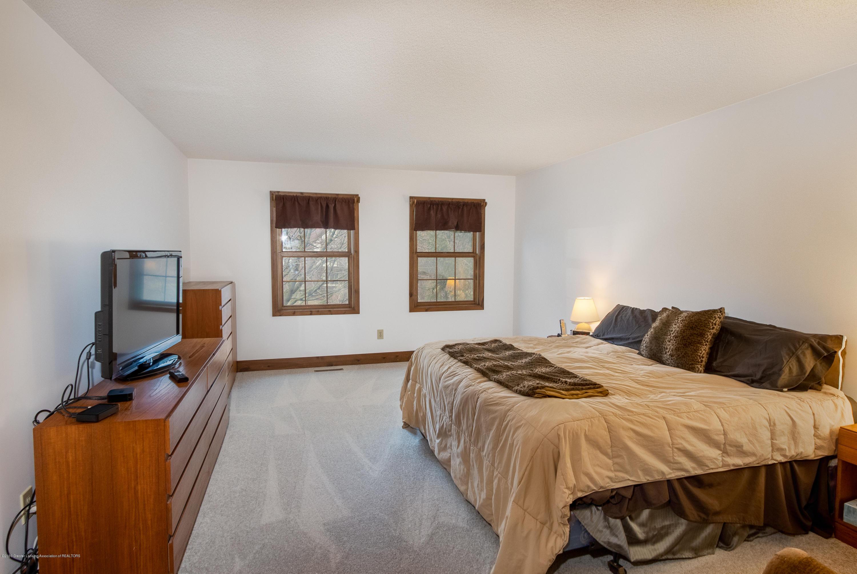 3945 Breckinridge Dr - Master Bedroom - 32