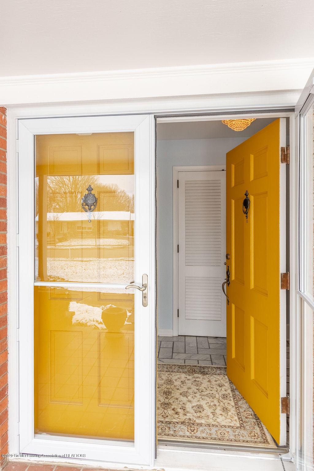 828 Tanglewood Ln - Front Door - 2
