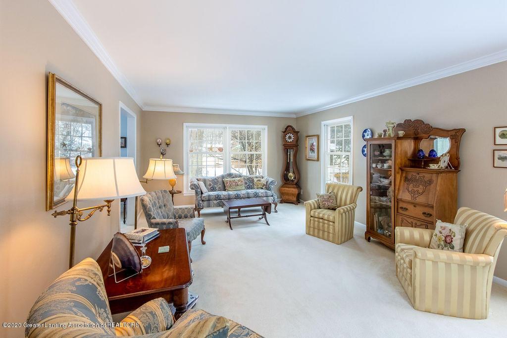 828 Tanglewood Ln - Living Room - 4