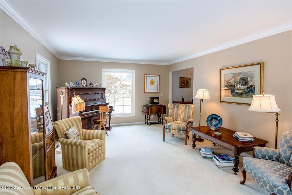 828 Tanglewood Ln - Living Room - 5