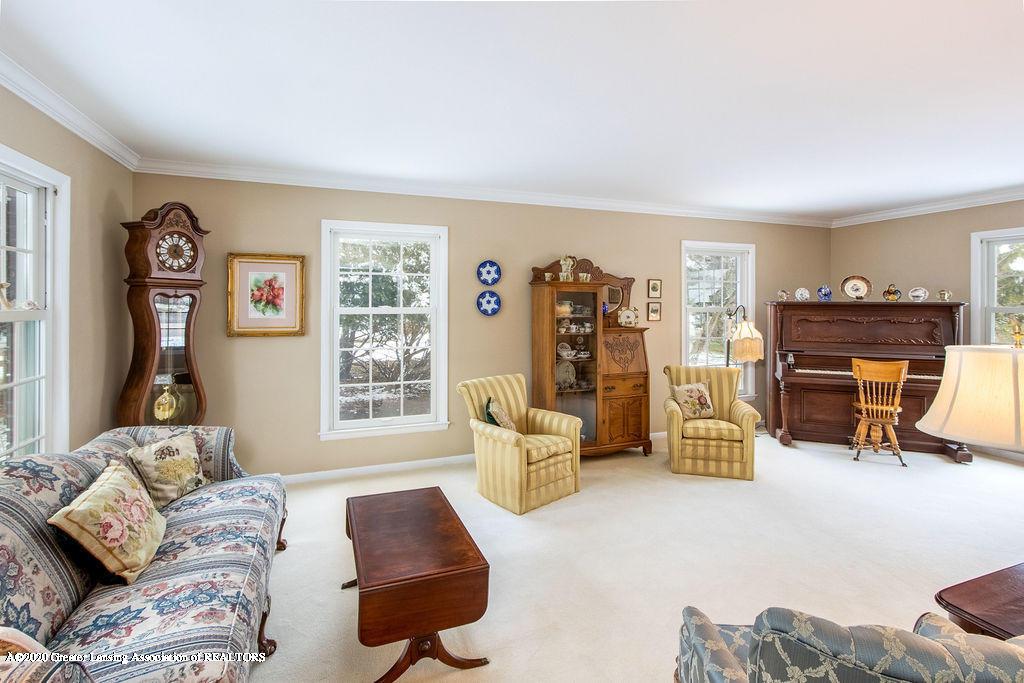 828 Tanglewood Ln - Living Room - 6