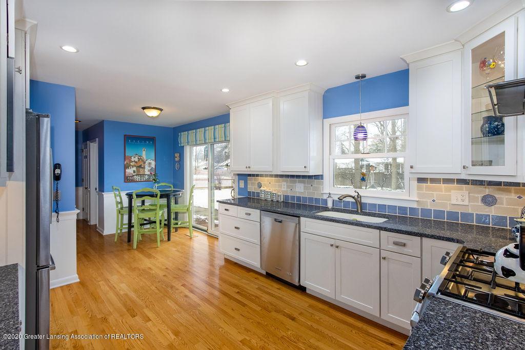 828 Tanglewood Ln - Kitchen - 9